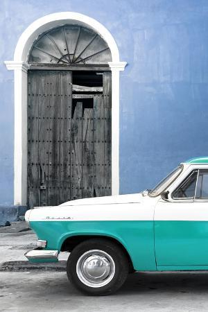 Cuba Fuerte Collection - Close-up of American Classic Car White and Turquoise