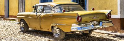 Cuba Fuerte Collection Panoramic - Classic Golden Car