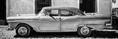 Cuba Fuerte Collection Panoramic BW - Old American Classic Car IV