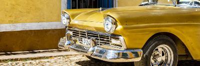 Cuba Fuerte Collection Panoramic - Close-up of Classic Golden Car