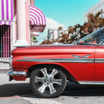 Cuba Fuerte Collection SQ - Vintage Red Car