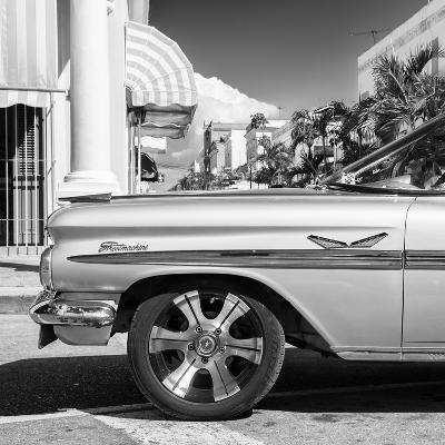 Cuba Fuerte Collection SQ BW - Vintage Car II