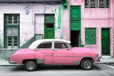 Cuba Fuerte Collection - Havana's Pink Vintage Car