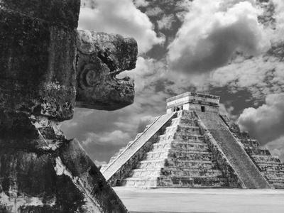 The Serpent And The Pyramid, Chechinitza, Mexico 02