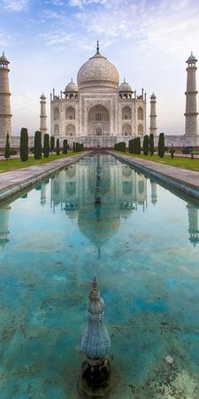 India. View of the Taj Mahal in Agra.