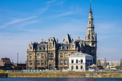 Loodsgebouw, Pilotage Building, along the Scheldt River in the Eilandje district, Antwerp, Belgium