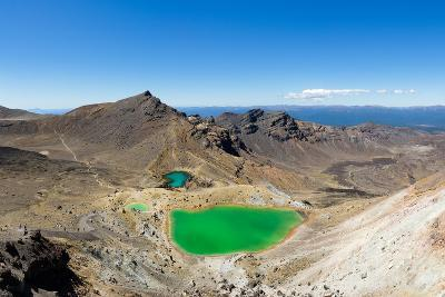 The Tongariro Crossing (19 km long), Tongariro Nat'l Park, UNESCO World Heritge Site, New Zealand