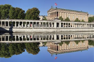 Alte Nat'lgalerie (Old Nat'l Gallery), Colonnades, UNESCO World Heritage, Berlin, Germany