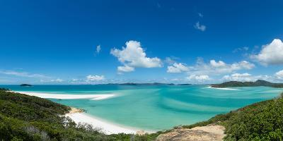 A panoramic view of the world-famous Whitehaven Beach on Whitsunday Island, Queensland, Australia