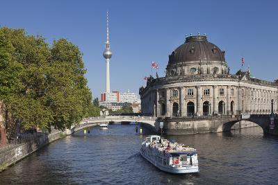 Excursion boat on Spree River, Bode Museum, Museum Island, UNESCO World Heritage, Berlin, Germany