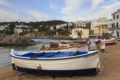 Calella de Palafrugell, early morning, fishing boats on small beach, Costa Brava, Girona, Catalonia