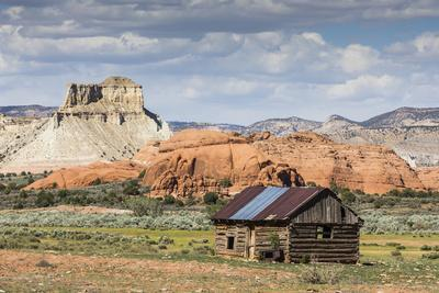 Red rock sandstone and old cabin just outside Kodachrome Basin State Park, Utah, United States of A