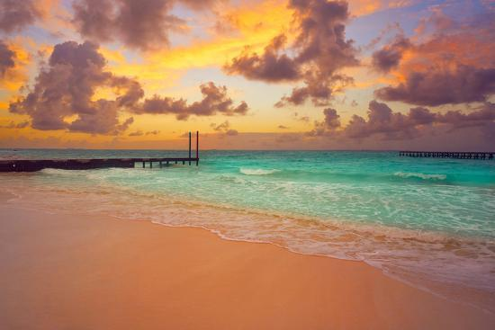 Cancun Caracol Beach Sunset In Mexico At Hotel Zone Hotelera Photographic Print Holbox Allposters Com