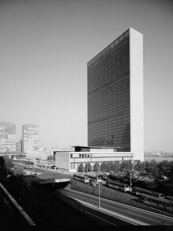 Secretariat Building and Dag Hammarskjold Library at the United Nations Headquarters in New York