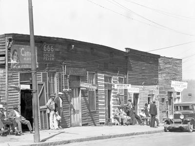 person shop fronts in Vicksburg, Mississippi, 1936
