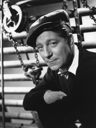 LE JOUR SE LEVE, 1939 directed by MARCEL CARNE Jean Gabin (b/w photo)