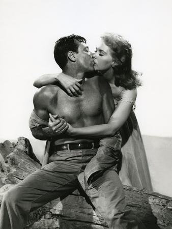 PICNIC, 1956 directed by JOSHUA LOGAN William Holden and Kim Novak (b/w photo)