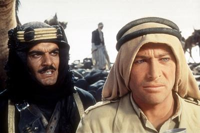 Lawrence d'Arabie LAWRENCE OF ARABIA by David Lean with Peter O'Toole, Omar Sharif, 1962 kaffiyeh k