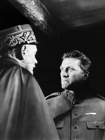 Les Sentiers by la gloire Paths of Glory by Stanley Kubrik with George Macready, Kirk Douglas, 1957
