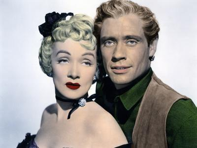RANCHO NOTORIOUS, 1952 directed by FRITZ LANG Marlene Dietrich / Mel Ferrer (photo)