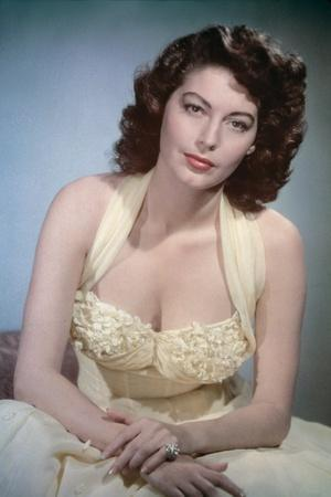PANDORA AND THE FLYING DUTCHMAN, 1951 directed by ALBERT LEWIN Ava Gardner (photo)