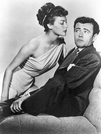 ONE TOUCH OF VENUS, 1948 directed by WILLIAM A. SEITER Ava Gardner / Robert Walker (b/w photo)