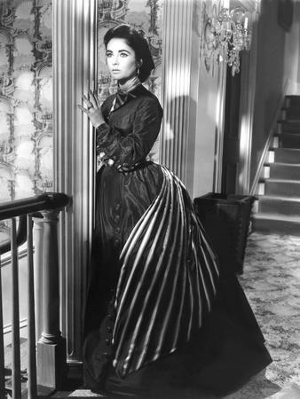 RAINTREE COUNTY, 1957 directed by EDWARD DMYTRYK Elizabeth Taylor (b/w photo)