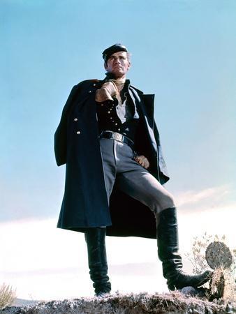 MAJOR DUNDEE, 1965 directed by SAM PECKINPAH Charlton Heston (photo)