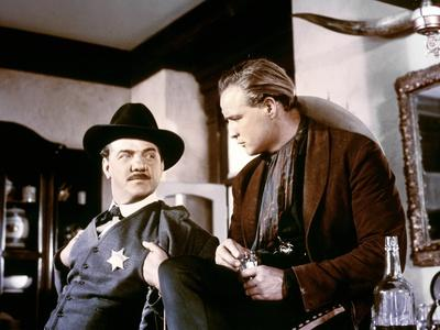 ONE-EYED JACKS, 1961 directed by MARLON BRANDO Karl Malden and Marlon Brando (photo)