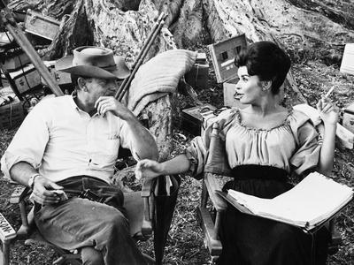 MAJOR DUNDEE, 1965 directed by SAM PECKINPAH On the set, Sam Peckinpah with Senta Berger (b/w photo