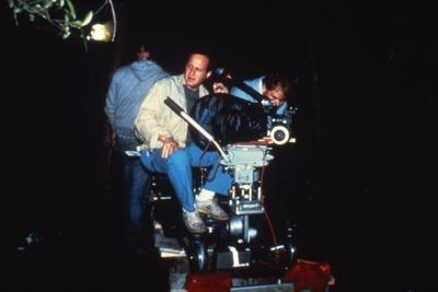 MANHUNTER, 1986 directed by MICHAEL MANN On the set, Michael Mann (photo)