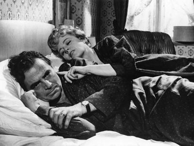 LOLITA, 1962 directed by STANLEY KUBRICK James Mason / Shelley Winters (b/w photo)