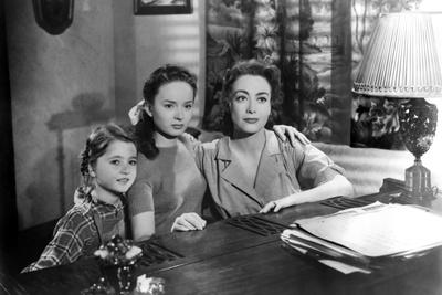 MILDRED PIERCE, 1945 directed by MICHAEL CURTIZ Jo Ann Marlowe, Ann Blyth and Joan Crawford (b/w ph