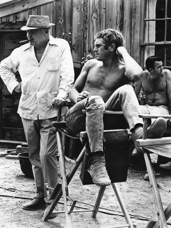 NEVADA SMITH, 1966 directed by HENRY HATHAWAY On the set, Henry Hathaway and Steve McQueen (b/w pho