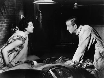 ON THE BEACH, 1959 directed by STANLEY KRAMER Ava Gardner and Fred Astaire (b/w photo)