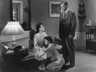 MILDRED PIERCE, 1945 directed by MICHAEL CURTIZ Joan Crawford, Ann Blyth and Bruce Bennett (b/w pho