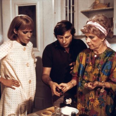 ROSEMARY'S BABY, 1968 directed by ROMAN POLANSKI On the set, Roman Polanski directs Mia Farrow and