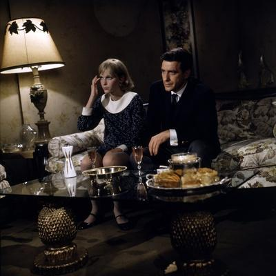 ROSEMARY'S BABY, 1968 directed by ROMAN POLANSKI Mia Farrow and John Cassavetes (photo)