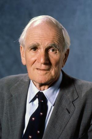 LICENCE TO KILL, 1989 directed by JOHN GLEN Desmond Llewelyn (photo)