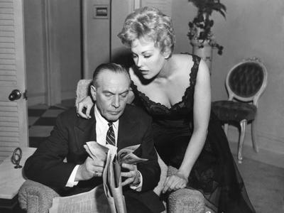 MIDDLE OF THE NIGHT, 1959 directed by DELBERT MANN Fredric March and Kim Novak (b/w photo)