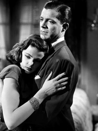 LAURA, 1944 directed by OTTO PREMINGER Gene Tierney and Dana Andrews (b/w photo)