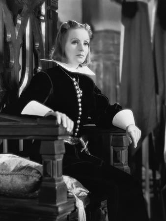 QUEEN CHRISTINA, 1933 directed by ROUBEN MAMOULIAN Greta Garbo (b/w photo)