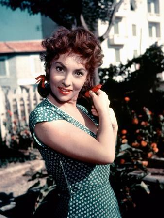 PANE AMORE E FANTASIA / PAIN AMOUR and FANTAISIE, 1953 directed by Gina Lollobrigida (photo)