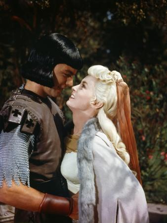 PRINCE VALIANT, 1954 directed by HENRY HATHAWAY Robert Wagner and Janet Leigh (photo)