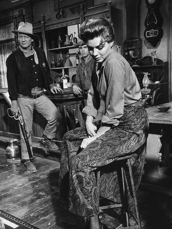 RIO BRAVO, 1959 directed by HOWARD HAWKS (b/w photo)