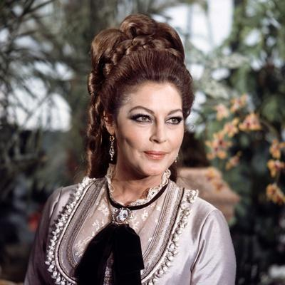 MAYERLING, 1968 directed by TERENCE YOUNG Ava Gardner (photo)