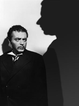 SECRET AGENT, 1936 directed by ALFRED HITCHCOCK Peter Lorre (b/w photo)