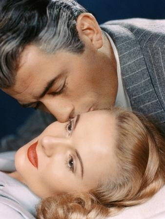 THE PARADINE CASE, 1948 directed by ALFRED HITCHCOCK Gregory Peck and Anne Todd (photo)