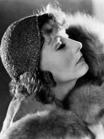 La courtisane SUSAN LENOX by Robert Z Leonard with Greta Garbo, 1931 (b/w photo)
