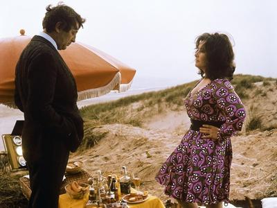 SECRET CEREMONY, 1968 directed by JOSEPH LOSEY Robert Mitchum / Elizabeth Taylor (photo)